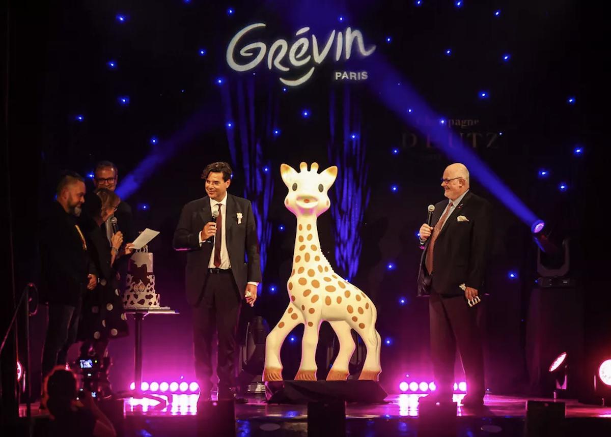 Sophie la girafe a fait son entrée au Musée Grévin