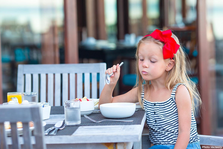 Mangeur difficile: conseils pour aider les enfants